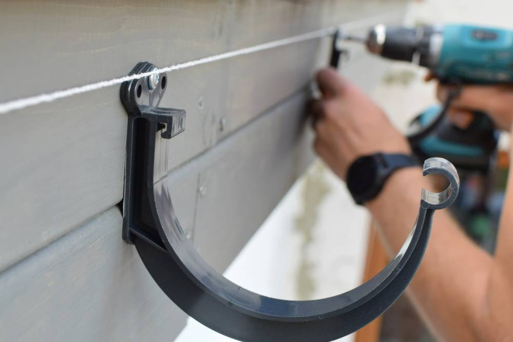 Your Guide To Gutter Installation Ian S Property Maintenance